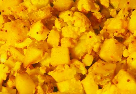 Easy Aloo Ghobi (Indian Potato and Cauliflower)