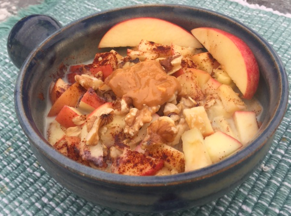 Warm apple oatmeal and mindfulness